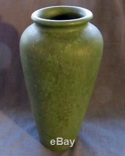 Arts & Crafts Mission Roseville Carnelian Mottled Matt Green Glaze Vase 10