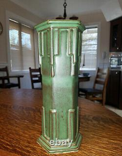 Arts and Crafts FLW Prairie Style Pottery Vase Schock made Killer Design