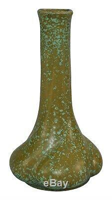 Chicago Crucible Pottery Arts and Crafts Mottled Glaze Ceramic Twist Vase