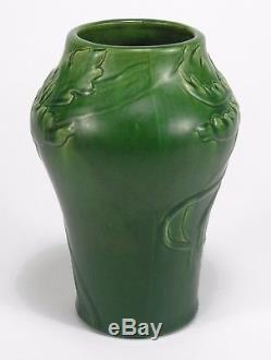 Denver Denaura pottery tulip decorated vase 1901-5 arts & crafts matte green