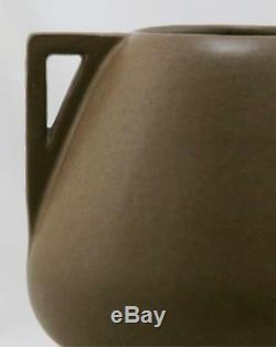FULPER 6.5 x 8.25 ARTS & CRAFTS URN/VASE IN RICH MATTE BROWN GLAZE F295