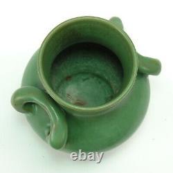 Genuine Bybee Pottery Kentucky matte green Arts & Crafts 2 handled vase Selden