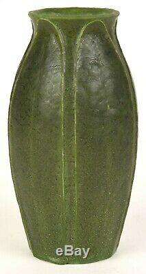 Grueby Pottery 8 Tall Five Leaf Vase Arts And Crafts Matte Green