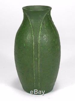 Grueby Pottery matte green 3 leaf 7.25 ovoid vase Arts & Crafts Boston