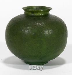 Grueby Pottery matte green spherical cabinet vase Arts & Crafts Boston