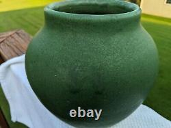 Old Matt Green American Arts And Craft or Mission Style Pottery Vase Great Glaze