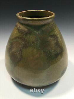 Red Wing Nokomis Arts and Crafts Vase Great Glaze! 1920s