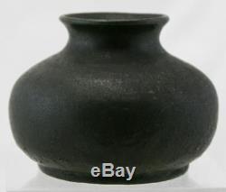 Studio Pottery 3.5 Arts & Crafts Vase Organic Leathery Matte Green Glaze Mint