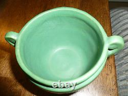 Vintage Roseville Matt Green pattern Flower pot 548 USA Arts & Crafts