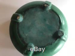 Vintage Weller Arts & Craft Art Pottery Bedford Matte Green Planter