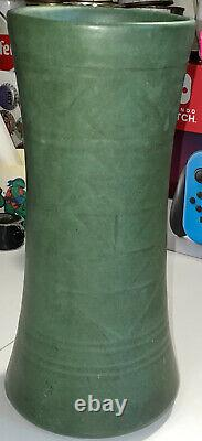 Weller Matte Green 10 Vase 1910 Arts & Crafts Era Pottery Pot Suevo Design