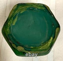 Weller Pottery, Bedford Matt Green, Buttressed Bud Vase Great Arts & Crafts Form