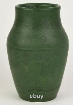 Wheatley Pottery Company Matte Green 8.5 Tall Arts And Crafts Vase