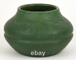 Wheatley Pottery Company Matte Green Arts And Crafts 4 Tall Squat Vase
