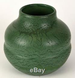 Wheatley Pottery Company Matte Green Arts And Crafts 8 Tall Vase