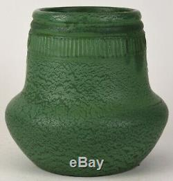 Wheatley Pottery Company Matte Green Arts And Crafts 9 Tall Vase