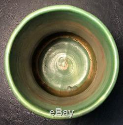 Zanesville Pottery Arts & Crafts Pottery Matte Green Elephant Leg Vase
